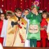 El CC Santa Ana da la bienvenida a la Navidad con varias actuaciones de los escolares en el salón de actos