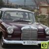 Un centenar de coches clásicos se pasean por las calles de Jumilla
