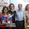Consuelo Soriano del C.C. Cruz de Piedra recoge su segundo premio del concurso 'Relatos del Agua'
