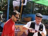 Numerosas personas se acercaron a la exposición de carrozas celebrada en el Paseo
