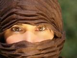 Varias organizaciones sociales denuncian que la dirección del Centro Educativo Cruz de Piedra de Jumilla impide la posibilidad de usar el pañuelo islámico a una niña en sus instalaciones.