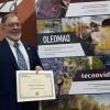 El enólogo jumillano Diego Cutillas recibe el primer premio 'Enólogo Trayectoria Profesional' del ENOMAQ 2019 de Zaragoza