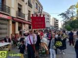 Cientos de jumillanos inundan de flores al Cristo Amarrado a la Columna