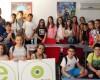 Los alumnos del CC Santa Ana realizan un taller de radio en Antena Joven como parte de las actividades fin de curso