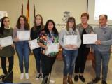 Los ganadores del concurso de carteles y vídeos sobre el 25N reciben sus premios
