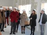 La alcaldesa y la consejera de Educación visitan las obras del nuevo colegio Príncipe Felipe.