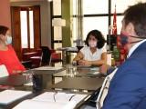La Alcaldesa Juana Guardiola se ha reunido con la consejera de Administración Pública