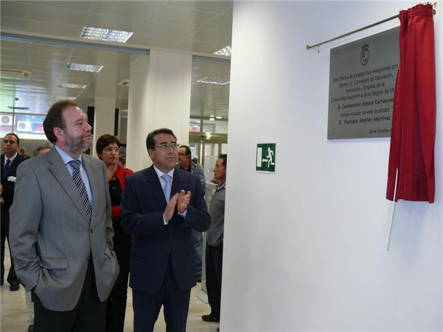Sotoca inaugura en jumilla una oficina de empleo con una for Oficina empleo murcia