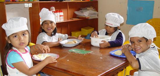 La concejal a de la mujer lleva a cabo un taller de cocina for Taller cocina ninos