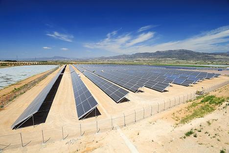 http://www.elecodejumilla.es/wp-content/uploads/2011/01/fotovoltaica.jpg