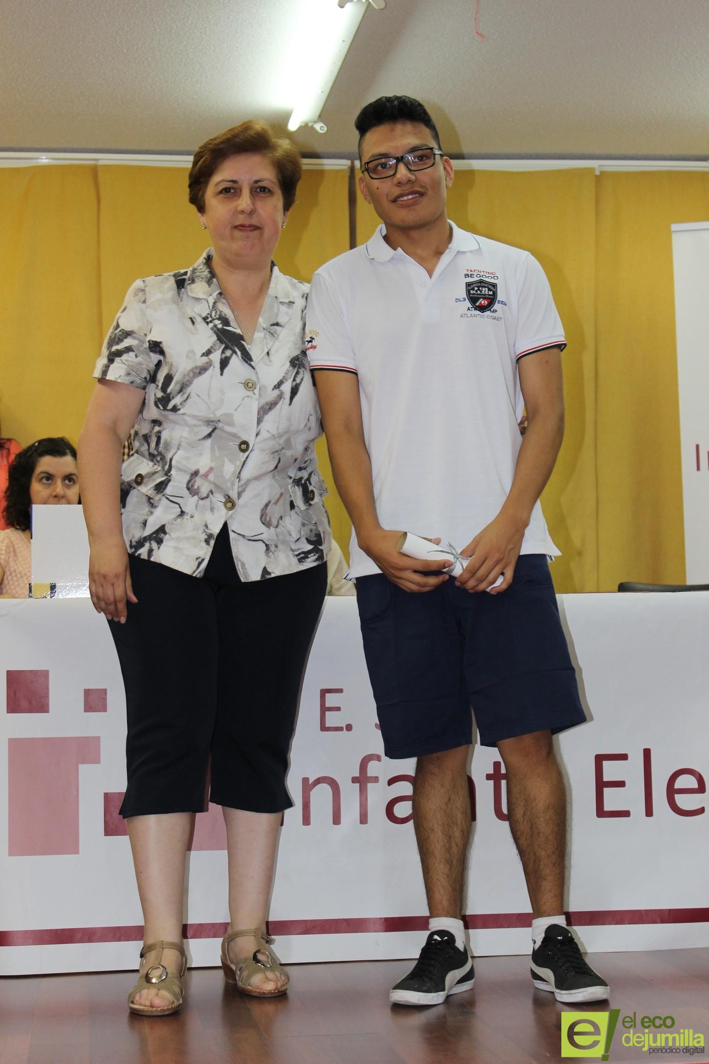 Los alumnos de 4º de ESO del IES Infanta Elena celebran hoy su