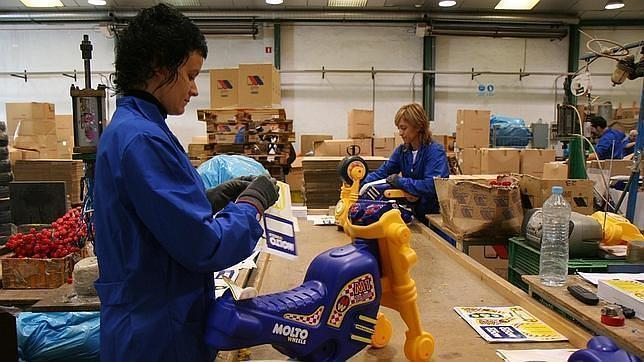 fabrica-juguetes-empleo-644x362