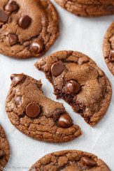 double-chocolate-nutella-cookies_680-4